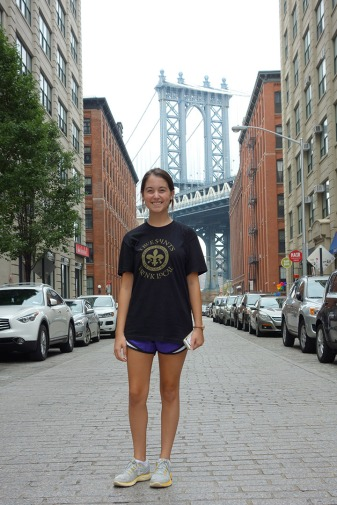 Shannon poses under the Manhattan Bridge.