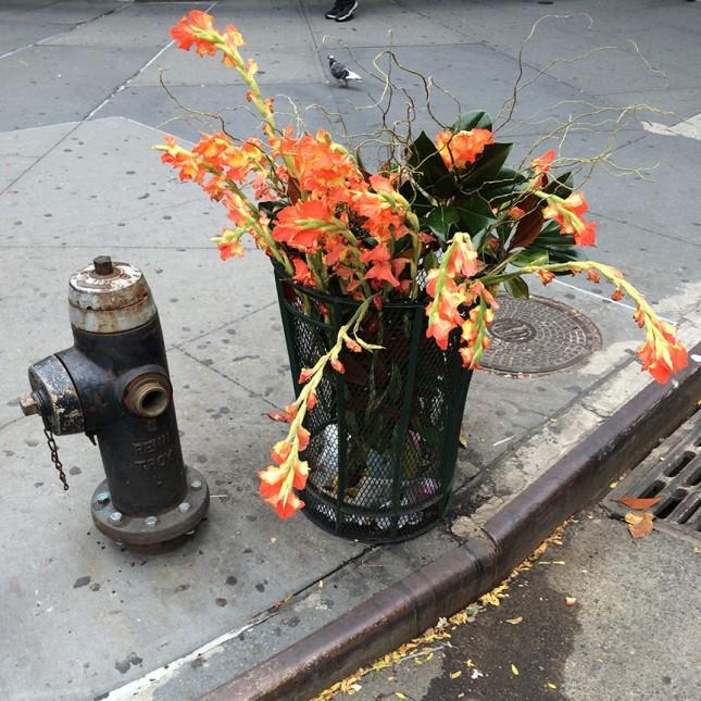 floral_trashcan