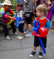 Dueling Spidermen